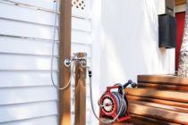 湘南スタイルガーデンにお湯が出るシャワー付き混合栓